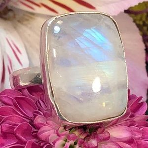 Jewelry - Moonstone Ring